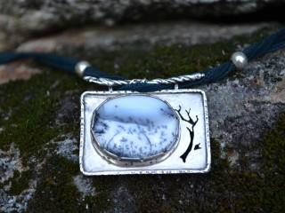 Snowdrift Necklace