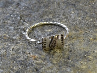 Lone Leaf Ring